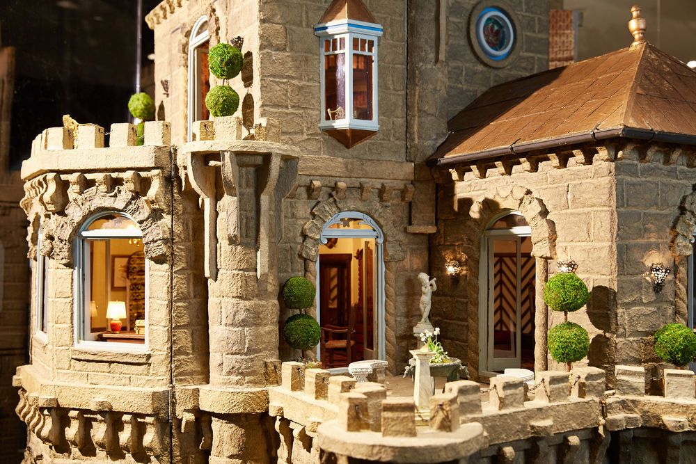 The Most Expensive Toy in the World-Asolat Dollhouse