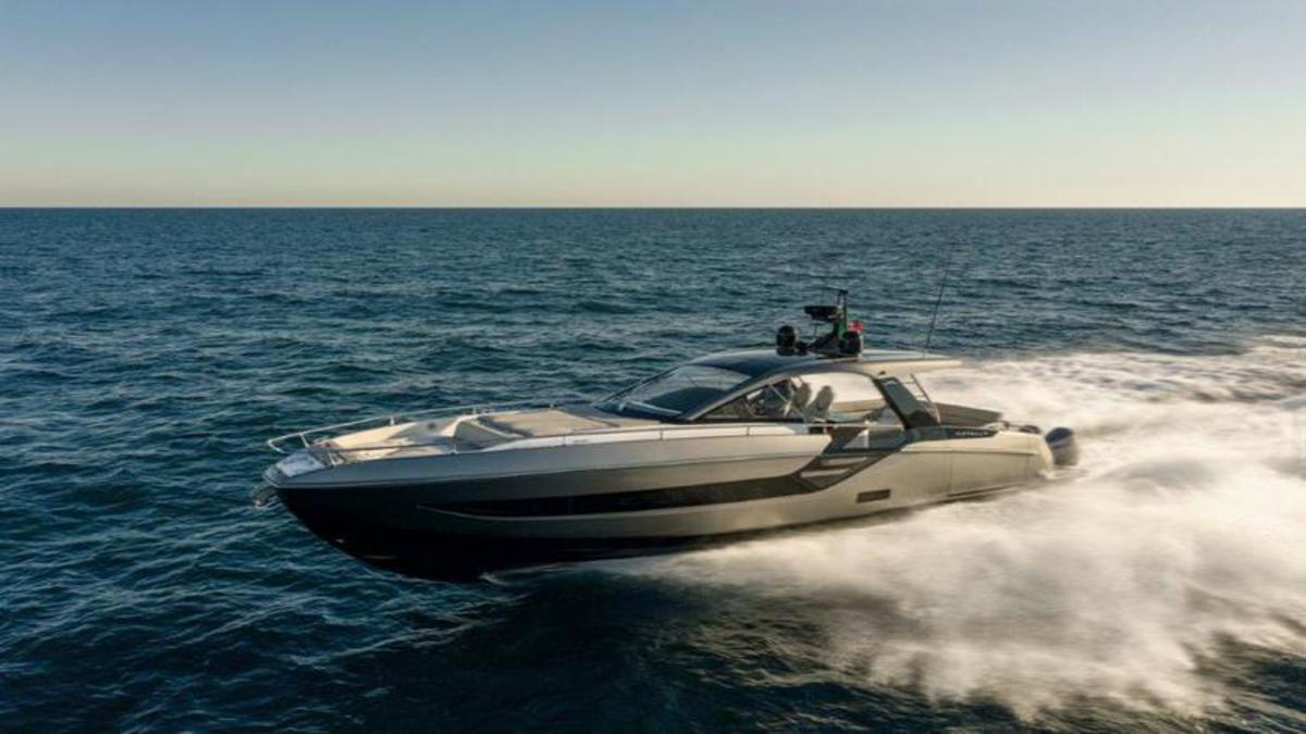 Azimut 1 1 – Azimut Yachts Verve 47 is the One Boat Which Surely Tears Waves Off