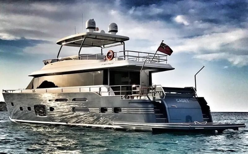 Magellano 76 Superyacht