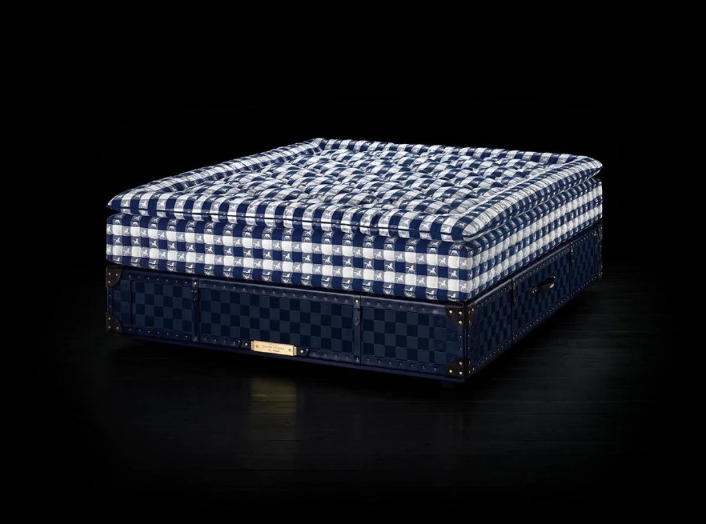 Grand Vividus Bed