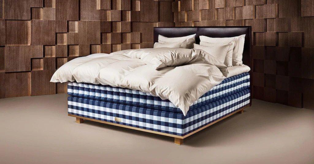Hastens Vividus Bed
