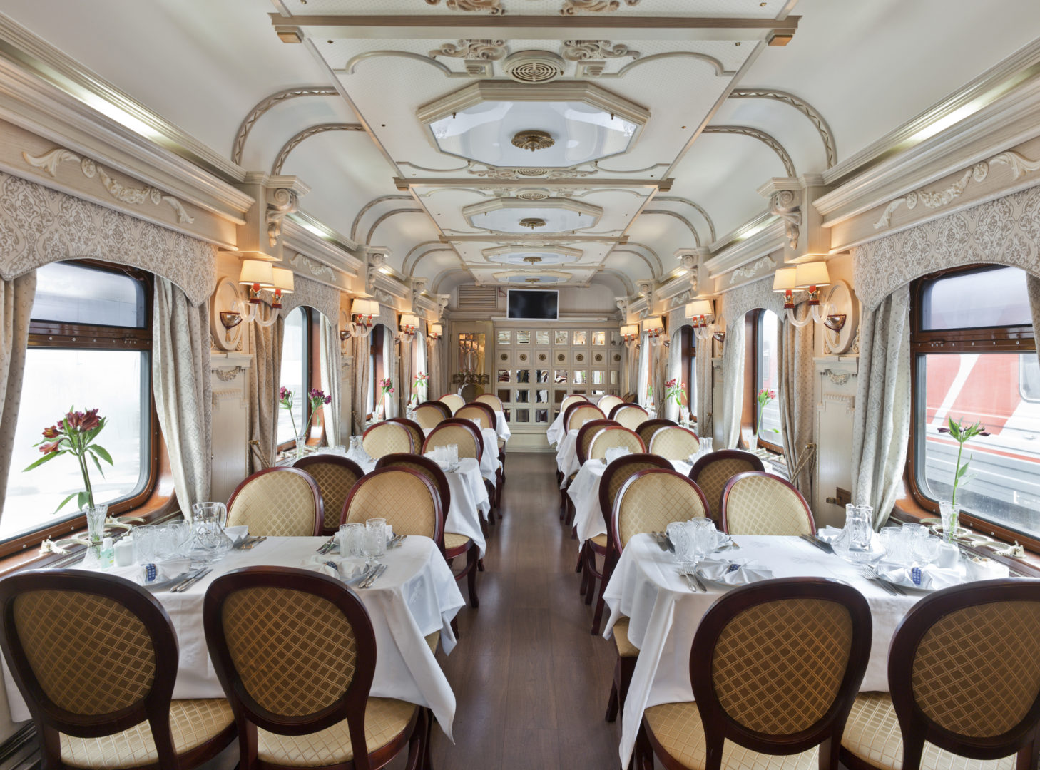 Golden Eagle Restaurant Car – 5 Most Luxurious Trains: Kingdom on Wheels