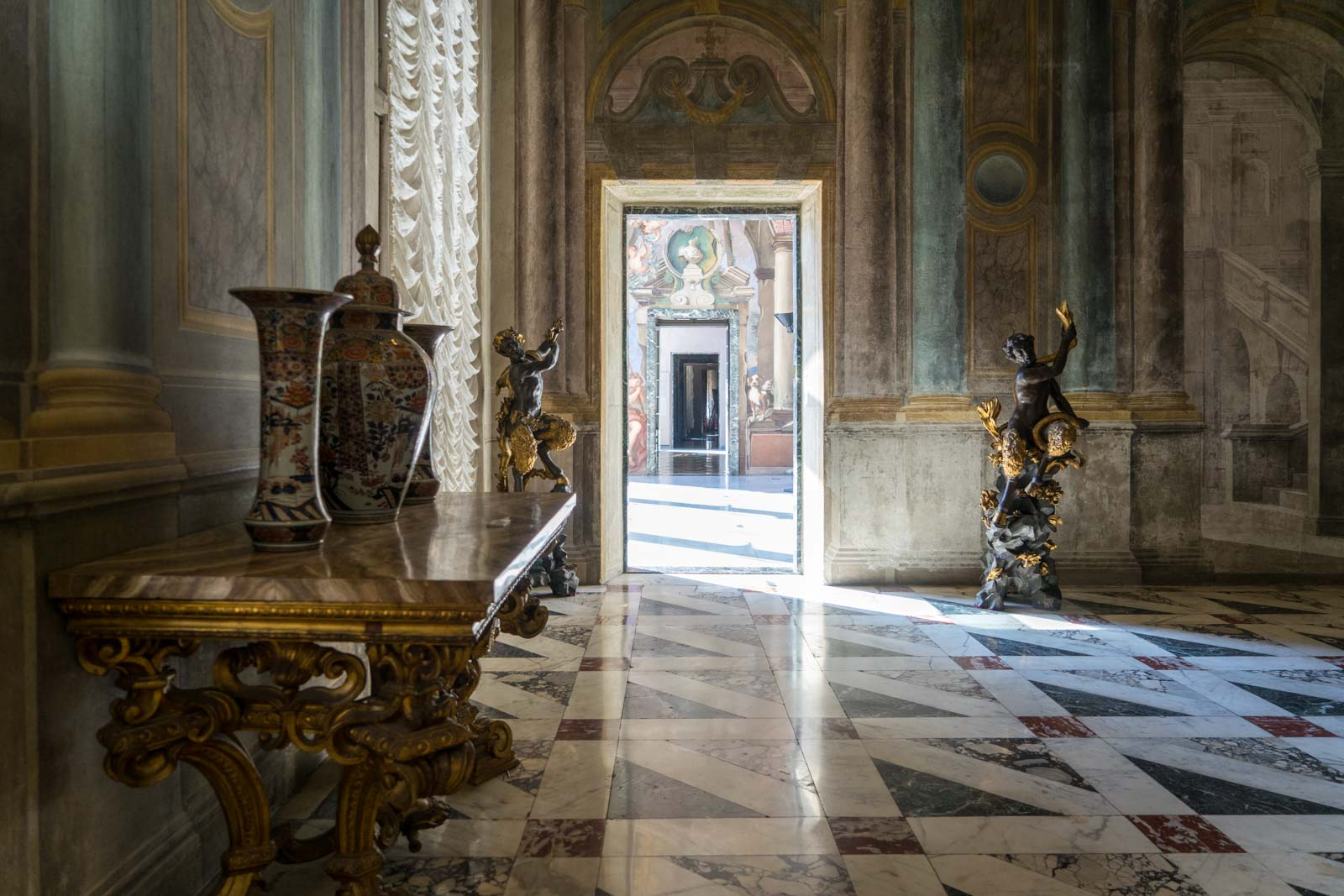 Italy 2017 1153 new – Palazzo Reale, Rosso - Italian Luxury Palaces: Breathing Cultural City Wonders