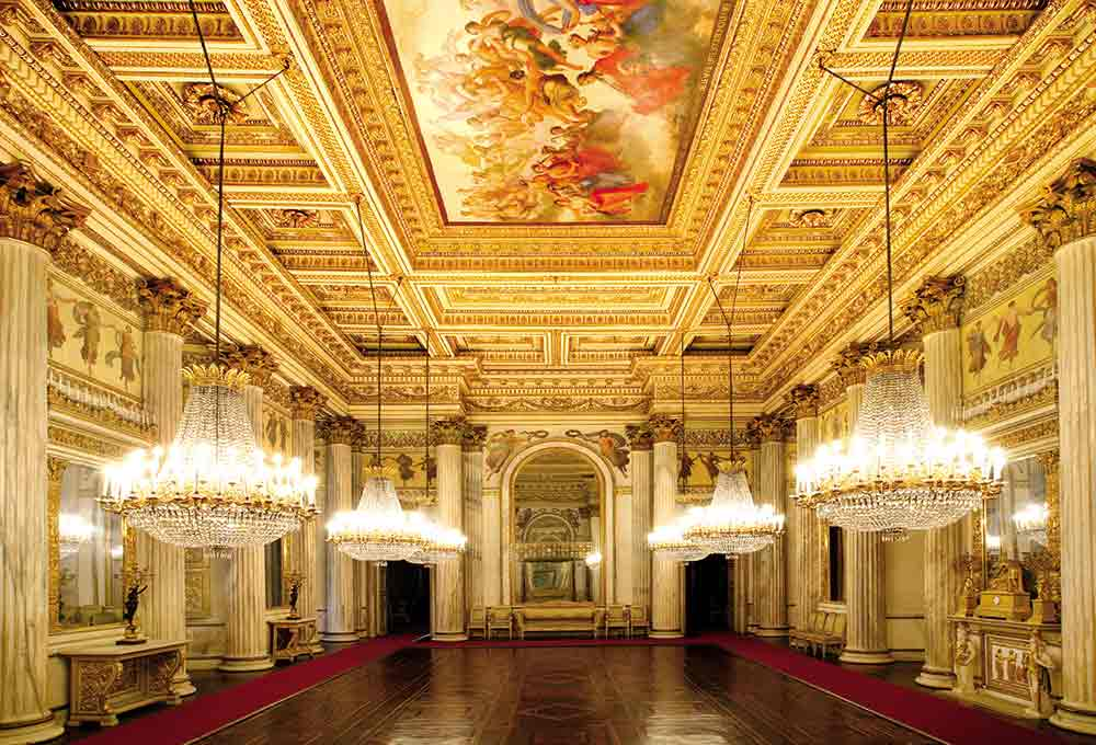 Italian Luxury Palaces