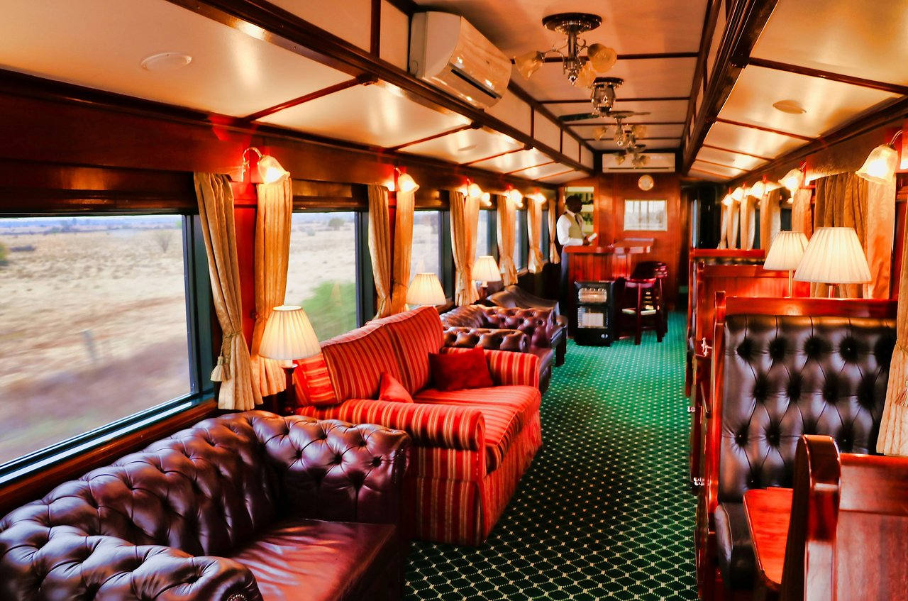 lounge – 5 Most Luxurious Trains: Kingdom on Wheels