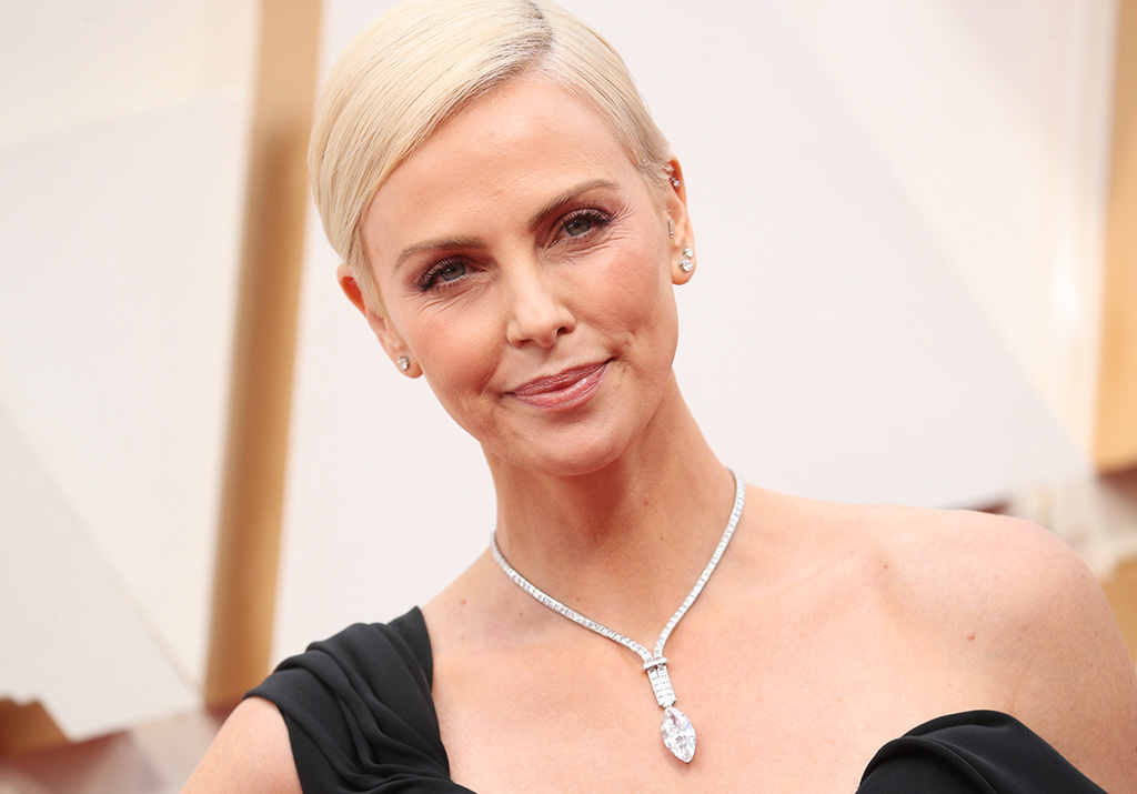 oscars 2020 charlize theron 003 – Top Oscar  Jewelry 2020: A Night of Glitz and Glamour