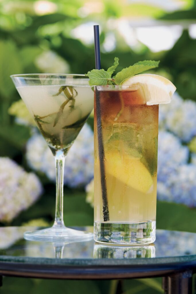 in the weeds – Make These Tasty Gin Cocktails Yourself and Enjoy the Last Sips of Summer