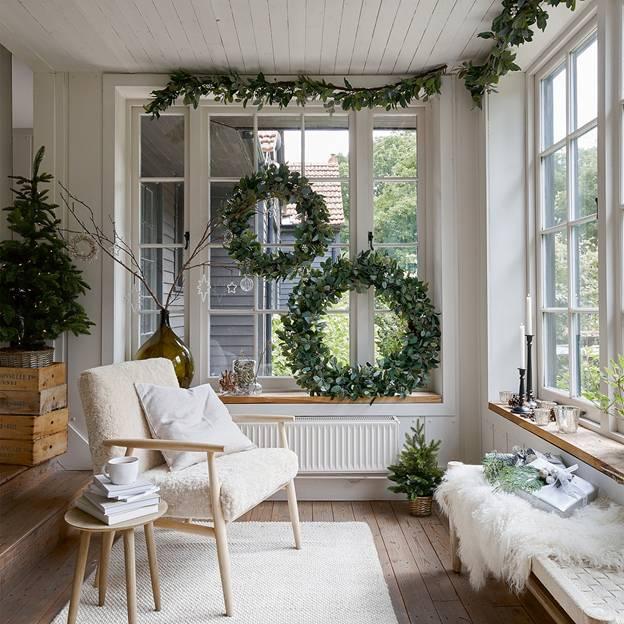 the white company wreath